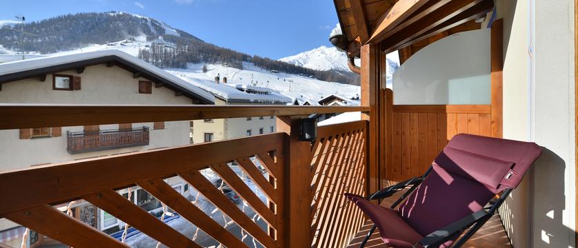italy_livigno_hotel-st-michael_balcony.jpg
